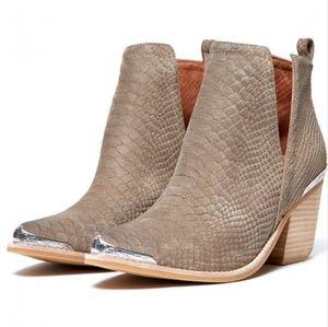 Jeffrey Campbell Cromwell Boots